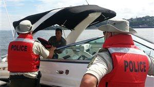 La Sûreté du Québec sensibilise les amateurs d'activités nautiques.