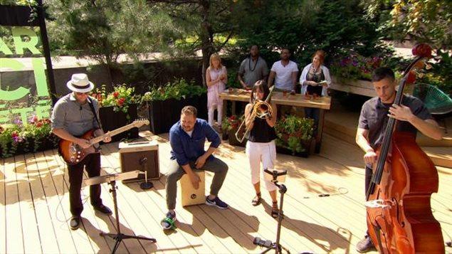 La découverte musicale de Louise Deschâtelets : Toxedo Swing!