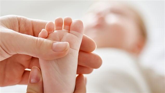 Un bébé naissant