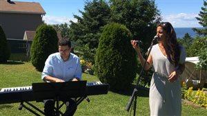 Le pianiste Jacob Arreola-Dufour et la chanteuse Maïna Albert.