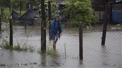 Earl rétrogradé en tempête tropicale après avoir frappé le Belize