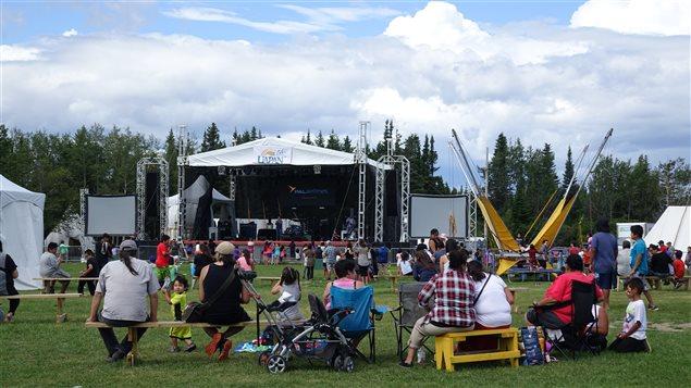 De nombreuses familles viennent faire un tour au Festival.