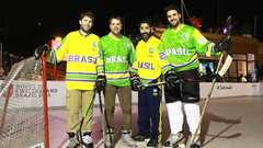 Une équipe nationale de hockey sur glace au pays du ballon rond