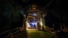 Passer la nuit sous le pont à Gould