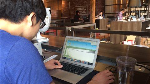 L'art d'inventer l'inutile: un premier «hackathon» absurde à Edmonton