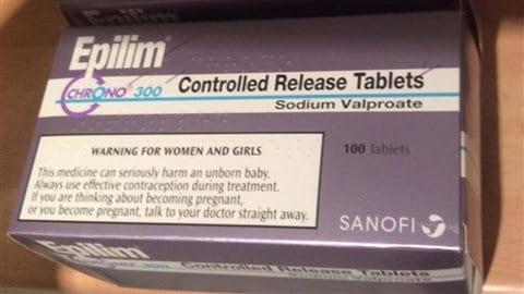 Un exemple d'avertissement aux femmes enceintes sur les médicaments contre l'épilepsie, imposé en Grande-Bretagne.