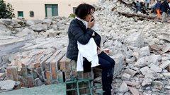 L'Italie, coincée entre plaques et microplaques tectoniques