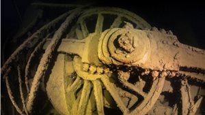Les roues de la locomotive du train CPR 694 retrouvé dans le lac Supérieur
