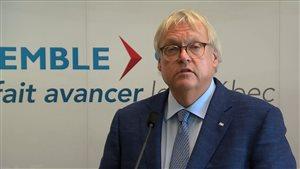 Le ministre de la Santé, Gaétan Barrette, a tenu à s'excuser pour des propos controversés au sujet de la condamnation de Richard Bain.
