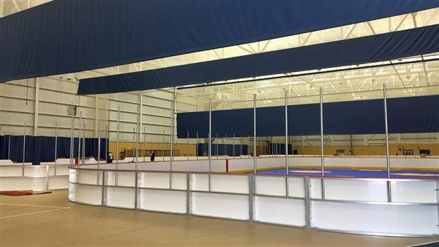 Les quatre surfaces intérieures de dek hockey du CSAD seront prêtes à temps pour la Coupe Burrows.