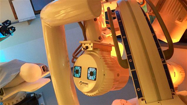 Un appareil d'imagerie par résonance magnétique permet de guider les bactéries chargées d'agents de médicaments vers l'intérieur des tumeurs.