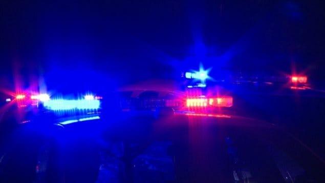 Des gyrophares de voiture de police