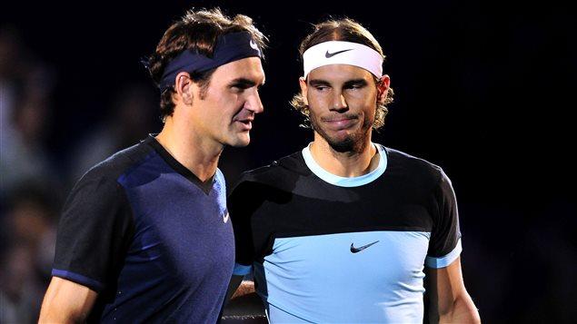 Roger Federer (à gauche) et Rafael Nadal (à droite)
