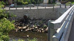 Pollution de la rivière Saint-Charles: L'Ancienne-Lorette apportera ses correctifs
