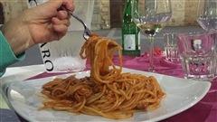 Des pâtes all'amatriciana en guise de solidarité avec l'Italie