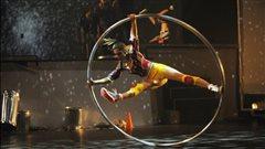 L'artiste du cirque Lisa Eckert du Integrate Arts Festival