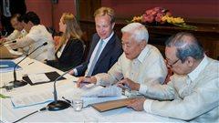 Les rebelles communistes philippins annoncent une trêve indéterminée