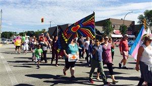 Le premier défilé de la fierté gaie a eu lieu samedi à Portage la Prairie.