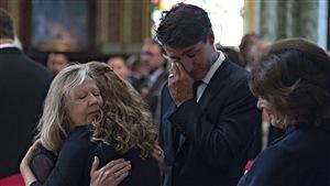 Justin Trudeau, ému lors des funérailles de Mauril Bélanger.