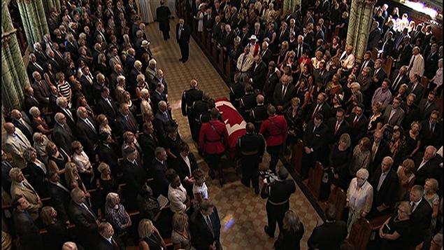 Les funérailles de Mauril Bélanger célébrées à Ottawa