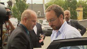 Jonathan Bettez arrive au palais de justice de Trois-Rivières.