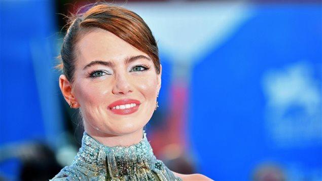Emma Stone sur le tapis rouge du 73e Festival du film de Venise