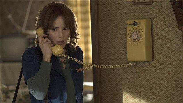 Winona Ryder dans la série « Stranger Things », de Netflix