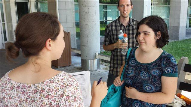 Une doctorante en psychologie fait signer une pétition