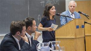 Les candidats à la direction du PQ : Jean-François Lisée, à droite, Paul Saint-Pierre Plamondon, à gauche, Alexandre Cloutier et Martine Ouellet réunis à l'Université de Montréal pour un débat.