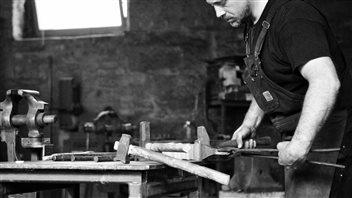 Le savoir-faire du forgeron : un patrimoine immatériel à préserver
