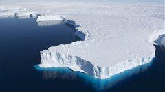Une immense fissure dans la glace antarctique inquiète