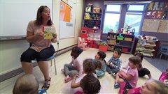 Visite dans l'une des premières classe de maternelle à 4 ans