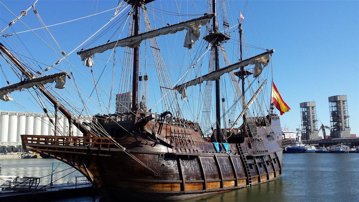 Le voilier El Galeon de passage à Québec
