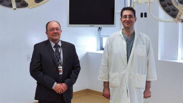 Paul Fortin, lorsqu'il était directeur général du Centre de santé et des services sociaux des Aurores-Boréales, et le Dr Issam El-Haddad