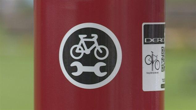 La première borne de réparation pour vélos à Charlottetown a été dévoilée dimanche.