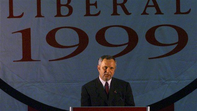 L'ex-premier ministre du Nouveau-Brunswick, Camille H. Thériault, après la défaite des libéraux aux élections de 1999