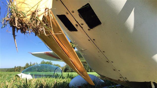 Le train d'atterrissage de l'avion a été endommagé