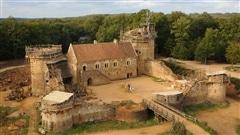 Construire un château du Moyen Âge avec des outils de l'époque