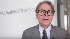 Pierre Dupont, ex-dentiste de Québec qui a été radié à vie, est devenu podologue en Ontario.