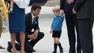 Le prince George refuse de serrer la main de Justin Trudeau