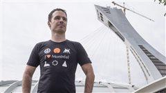 Un designer apprend qu'il ne peut représenter le stade sur ses chandails