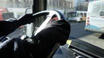Un chauffeur d'autobus à Saskatoon.