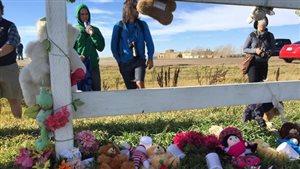 Des résidents avaient rendu hommage en octobre aux enfants dont les tombes avaient été découvertes en 2012.