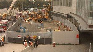 Les lieux d'un accident de travail au chantier de construction du métro à North York, en octobre 2011.