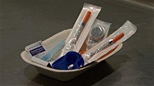 Exemples d'instruments stérilisés offerts aux toxicomanes