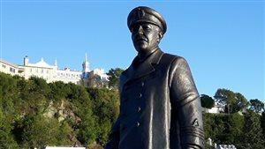 Le navigateur Joseph-Elzéar Bernier a maintenant sa statue de bronze au quai Paquet.