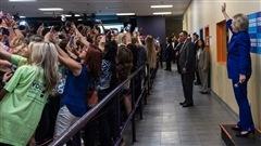 La séance d'égoportraits collectifs d'Hillary Clinton, signe des temps