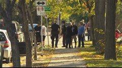 Un chauffard happe une cycliste et traverse un parc à Saint-Boniface