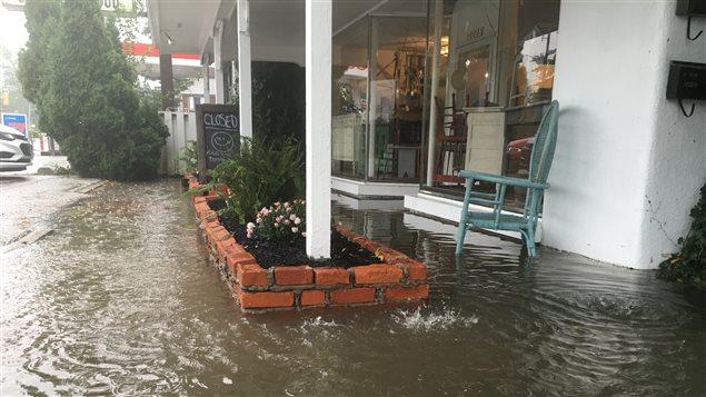 Commerces et habitations sont inondés à Windsor et Tecumseh