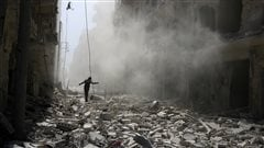 Les évacuations de blessés ou de civils syriens retardées à Alep